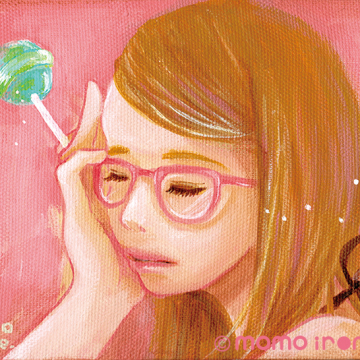 ピンクメガネ女子
